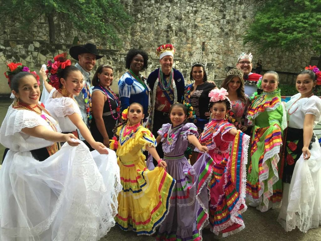 Baile Folklorico dancers on the River Walk